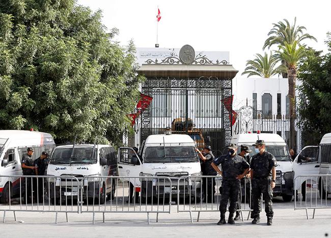 Tunisian Islamist party urges dialogue to resolve political crisis – Assahifa